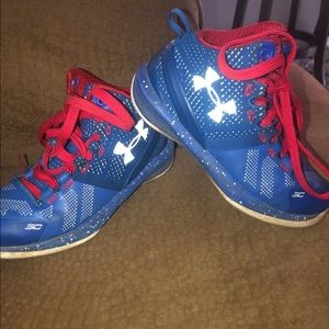 Steph curry underarmour kids tennis shoes